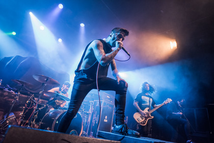 Fotos: Bury Tomorrow als Vorgruppe von Caliban live in Frankfurt